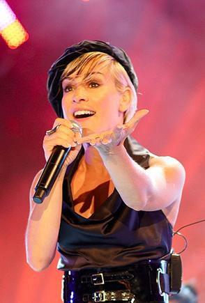 Alexia pop star
